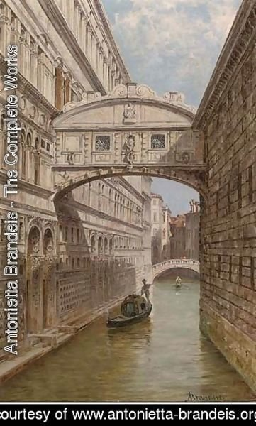 A gondolier at the Bridge of Sighs